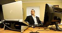 Geo Investing Vice President Dan David at his office Tuesday, June 28, 2001 in Skippack, Pa. (Bloomberg News/Bradley C. Bower)