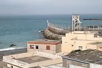 Il confine tra Marocco e Ceuta visto dal villaggio marocchino di Bel Yuonech. Bel Younech, 8 febbario, 2010<br /> <br /> View of the border beetwen Ceuta and Morocco from moroccan town of Bel Younech. Bel Younech, February 8, 2010
