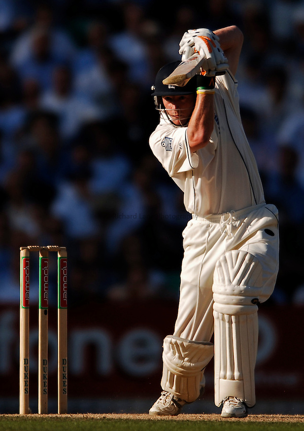 Photo: Glyn Thomas. England v Australia. nPower Test Series. The Ashes 2005. 12/09/2005. .England's Paul Collingwood hits out.