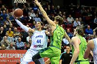 GRONINGEN - Basketbal, Donar - Dinamo Sassari, Martiniplaza, Europe Cup, seizoen 2018-2019, 12-12-2018,  score van Donar speler Arvin Slagter met Sassari  speler  Achille Polonara