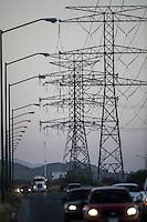 Torres y cables del bulevar Quiroga pertenecientes a la CFE que abastecen la ciudad de energ&iacute;a el&eacute;ctrica <br /> &copy; Foto: LuisGutierrez/NORTEPHOTO.COM