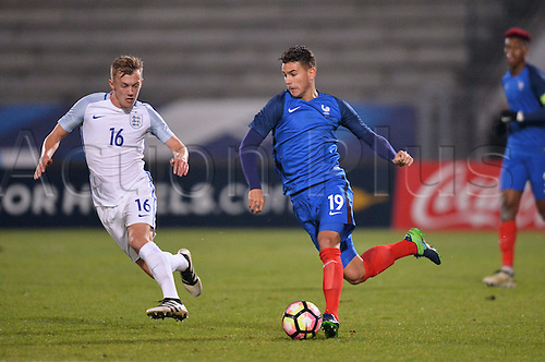 14.11.2016. bondoufle, Paris, France. U-21 International friendly football match, France versus England.  Lucas Hernanfez (fra) chased down by James Ward Prowse (eng)