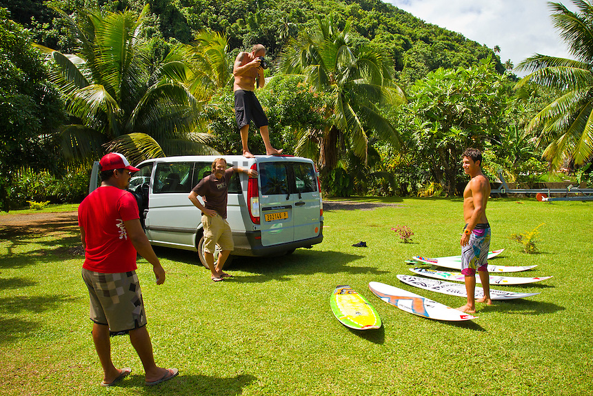 Jeremy Flores (FRA), Brian Bielmann (HAW) and Ramania (PYF).TEAHUPOO, Taiarapu/Tahiti (Saturday, August 28, 2010) - After going on hold for the majority of the morning, event organizers called the Billabong Pro Tahiti off for the sixth day in a row, but a new southwest swell projected to fill in tomorrow could have the world's best surfers in the water within the next 24 hours.. .Event No. 5 of 10 on the 2010 ASP World Tour, the Billabong Pro Tahiti has yet to commence competition, but a favourable southwest swell filling in over the next few days all but guarantees the competition will begin soon. Surfers filled in their day with surfing small Teahupoo and surrounding reef passes, a mix of training, sightseeing and computer time. Surfers Mick Fanning (AUS), Taylor Knox (USA) and Tiago Pires (PRT) had a close encounter with a pod of humpback whales just outside of the Teahupoo lagoon. Describing the experience as one of the most amazing things ever to happen to them. Fanning actually 'touched a whale' as it swam past. Photo: joliphotos.com