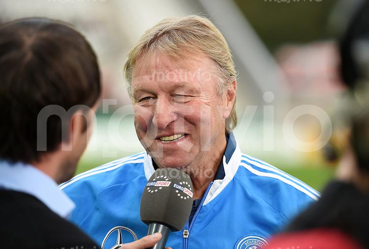 Fussball International Euro 2015 Quali Play-off-Rueckspiel U 21 in Essen 14.10.2014 Deutschland - Ukraine     DFB Trainer Horst Hrubesch (Deutschland) beim Interview