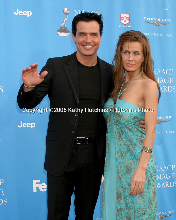 Antonio Sabato Jr and girllfriend.37th NAACP Image Awards.Shrine Auditorium.Los Angeles, CA.February 25, 2006.©2006 Kathy Hutchins / Hutchins Photo....