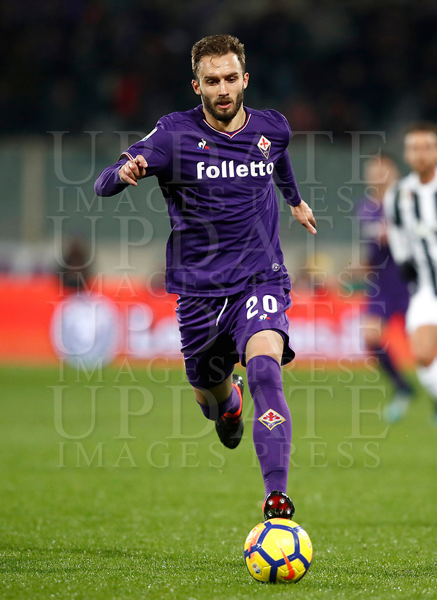 Calcio, Serie A: Fiorentina - Juventus, stadio Artemio Franchi Firenze 9 febbraio 2018.<br /> Fiorentina's German Pezzella in actionduring the Italian Serie A football match between Fiorentina and Juventus at Florence's Artemio Franchi stadium, February 9, 2018.<br /> UPDATE IMAGES PRESS/Isabella Bonotto
