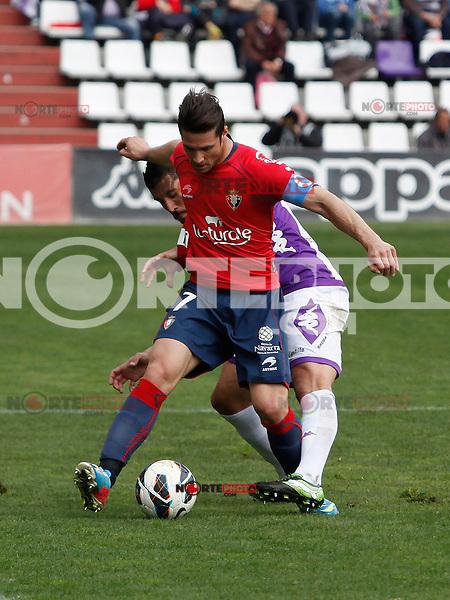 Real Valladolid´s Rueda and Osasuna´s Enrique Sola during match of La Liga 2012/13. 31/03/2013. Victor Blanco/Alterphotos /NortePhoto