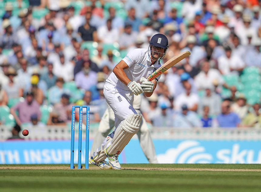England's Alastair Cook in action today <br /> <br /> Photographer Ashley Western/CameraSport<br /> <br /> International Cricket - Investec Ashes Test Series 2015 - Fifth Test - England v Australia - Day 3 - Saturday 22nd August 2015 - Kennington Oval - London<br /> <br /> &copy; CameraSport - 43 Linden Ave. Countesthorpe. Leicester. England. LE8 5PG - Tel: +44 (0) 116 277 4147 - admin@camerasport.com - www.camerasport.com