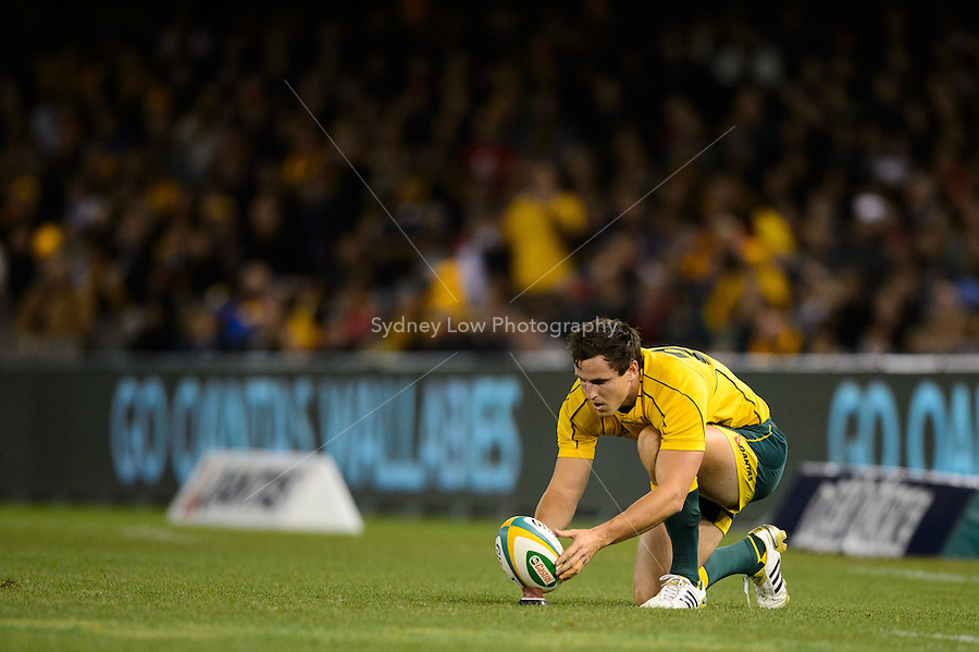 MELBOURNE, AUSTRALIA - JUNE 16: Mike Harris of the Wallabies prepares to kick the winning penalty goal  during the 2nd match of the Castrol Edge Rugby series between the Australian Wallabies and Wales at Etihad Stadium. (Photo Sydney Low / sydlow.com)..Contact zumapress.com for editorial licensing.