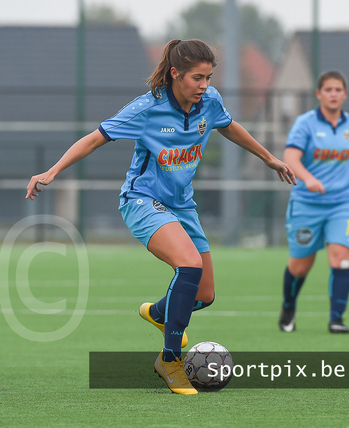 20181006 - DIKSMUIDE , BELGIUM : Famkes Westhoek Diksmuide Merkem's Charlotte Van De Vyvere pictured during a soccer match between the women teams of Famkes Westhoek Diksmuide Merkem and KRC GENK B  , during the 3th matchday in the 2018-2019  Eerste klasse - First Division season, Saturday 6 October 2018 . PHOTO SPORTPIX.BE | DIRK VUYLSTEKE