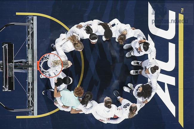 January 21, 2018; The Women's Basketball team huddles before a game. (Photo by Matt Cashore)