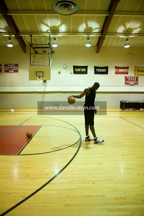 Eric Boateng trains in the gym at St Andrews High School in Middletown, DE, United States, 19 April 2005.