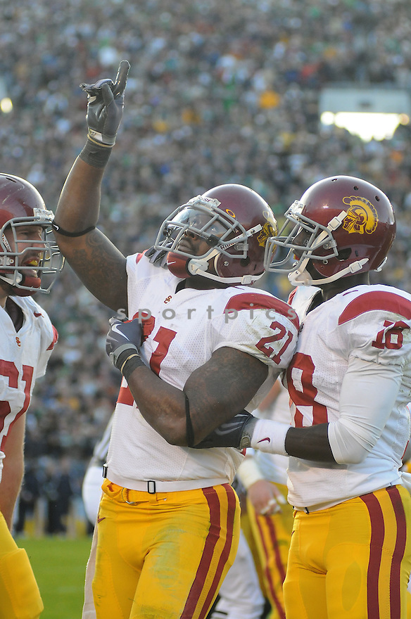 ALLEN BRADFORD, of the USC Trojans, in action during the Trojans game against the Notre Dame Fighting Irish on October 17, 2009 in South Bend, Indiana. The Trojans  beat the irish  34-27 ..