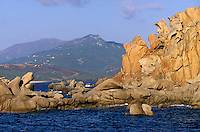France/Corse/Corse-du-Sud/2A/Env de Propriano: La côte rocheuse vers la pointe de Campomoro