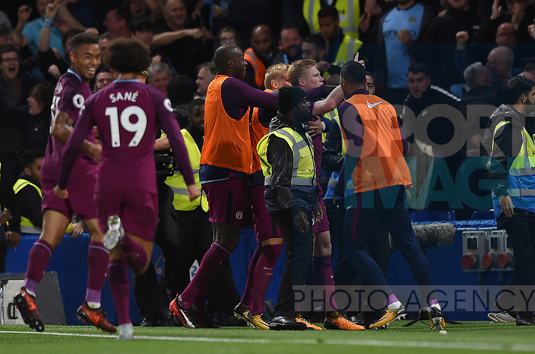 Kevin De Bruyne of Manchester City celebrates scoring his goal to make it 1-0 during the premier league match at the Stamford Bridge stadium, London. Picture date 30th September 2017. Picture credit should read: Robin Parker/Sportimage