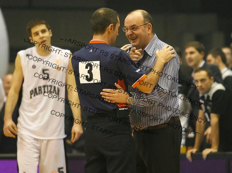 Kosarka, Euroleague, season 2007/08.Partizan Vs. CSKA (Moscow).Head coach Dusko Vujosevic, right argue withm referee.Beograd, 26.11.2008..foto: Srdjan Stevanovic/starsportphoto ©