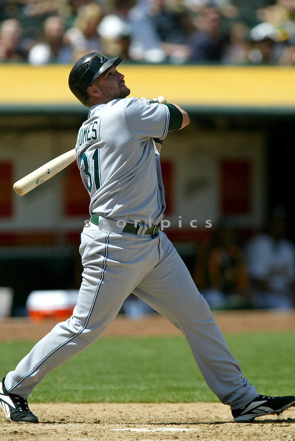 JONNY GOMES, of the Tampa Bay Devil Rays , in action during the  Devil Rays game against the Oakland A's  on April 28, 2007 in Oakland, California..A's win 12-5...Rob Holt/ SportPics..
