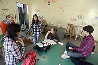 Roma, 9 Novembre 2012.Liceo artistico Argan ex De Chirico.Studentesse e studenti in occupazione contro i tagli alla scuola pubblica e contro il ddl 953 (ex Aprea).Le ragazze scrivono il comunicato stampa