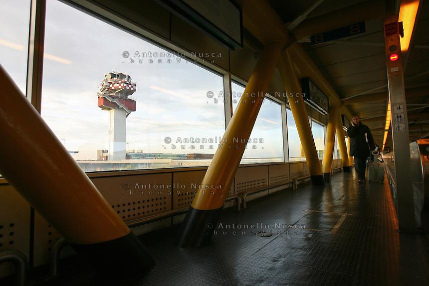 Passeggeri all'aeroporto Leonardo da Vinci di Roma