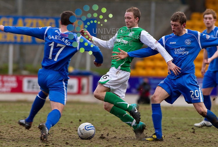 St Johnstone v Hibernian  SPL season 2010-2011 ..during the Clydesdale Bank Premier League match between St Johnstone and Hibernian. At McDiarmid Park Stadium on 5th March 2011 in Perth, Scotland...Picture: Alan Rennie/Universal News and Sport (Scotland).
