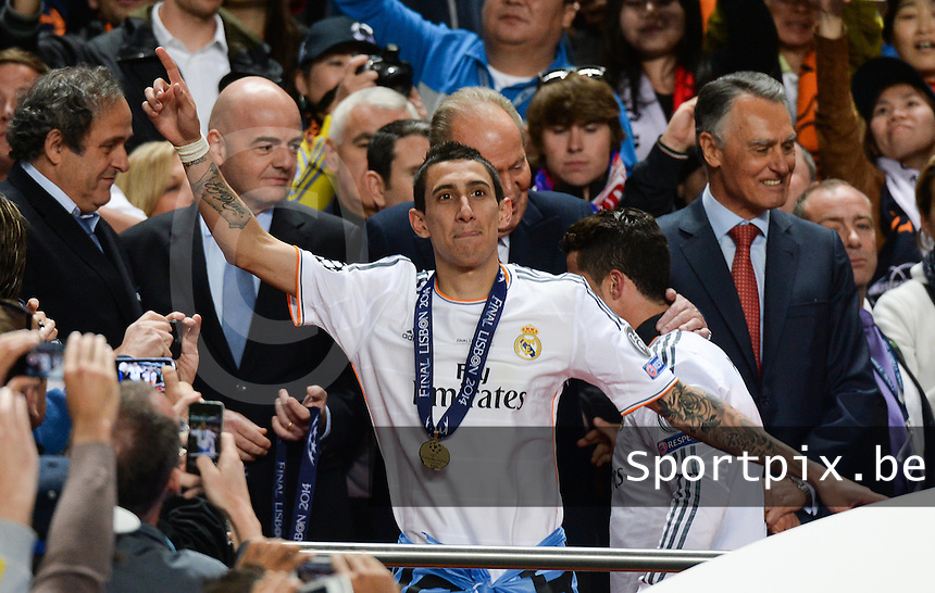20140524 - LISBON , PORTUGAL : Real Madrid pictured celebrating with Angel Di Maria during soccer match between Real Madrid CF and Club Atletico de Madrid in the UEFA Champions League Final on Saturday 24 May 2014 in Estadio Da Luz in Lisbon .  PHOTO DAVID CATRY