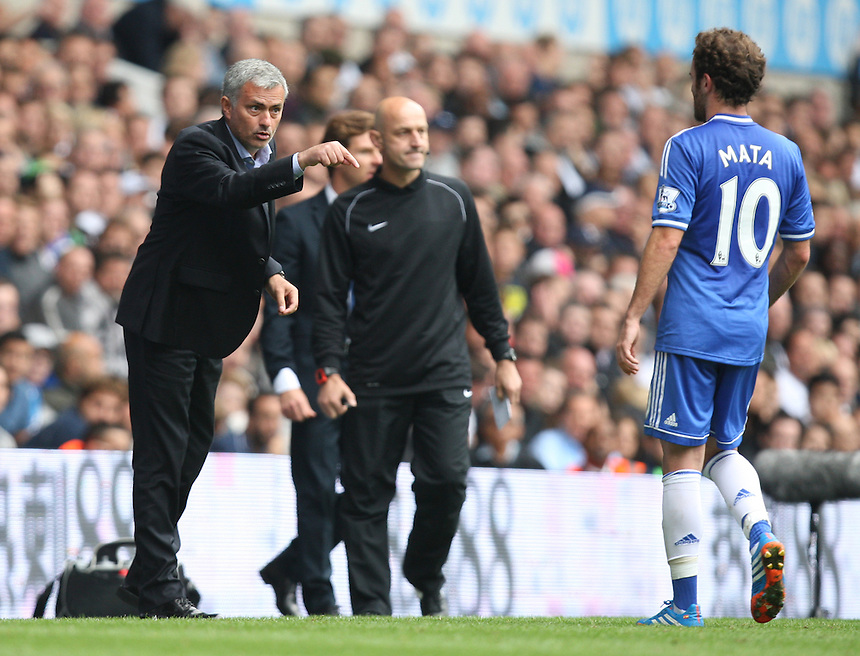 Chelsea's Manager Jose Mourinho having words with Chelsea's Juan Mata<br /> <br /> Photo by Kieran Galvin/CameraSport<br /> <br /> Football - Barclays Premiership - Tottenham Hotspur v Chelsea - Saturday 28th September 2013 - White Hart Lane - London<br /> <br /> &copy; CameraSport - 43 Linden Ave. Countesthorpe. Leicester. England. LE8 5PG - Tel: +44 (0) 116 277 4147 - admin@camerasport.com - www.camerasport.com