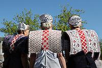 SPAKENBURG- Elk jaar vinden in de zomer de Spakenburgse Dagen plaats. Vier woensdagen met folkloristische activiteiten  en veel mensen in klederdracht