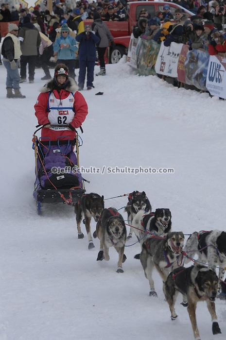 Molly Yazwinski Willow restart Iditarod 2008.