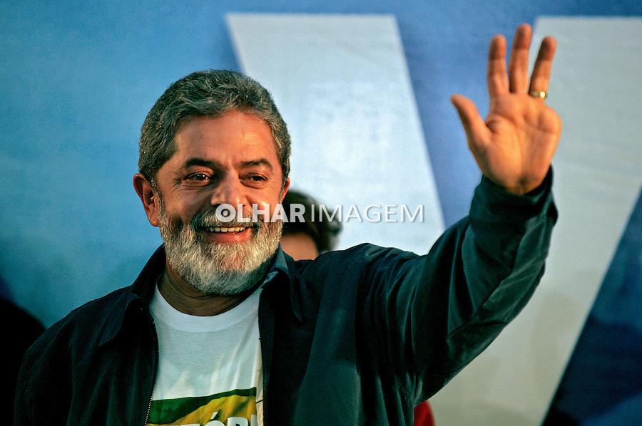 Vitória de Lula nas eleições presidênciais. SP. 2006. Foto de Caetano Barreira.