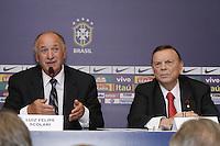 Luiz Felipe Scolari (E) apresentado como novo tecnico da seleção brasileira de futebol e o presidente da CBF Jose Maria Marin, no Hotel Windsor, na Barra da Tijuca, na zona oeste do Rio de Janeiro, nesta quinta-feira. (FOTO; ROBERTO FILHO / BRAZIL PHOTO PRESS).
