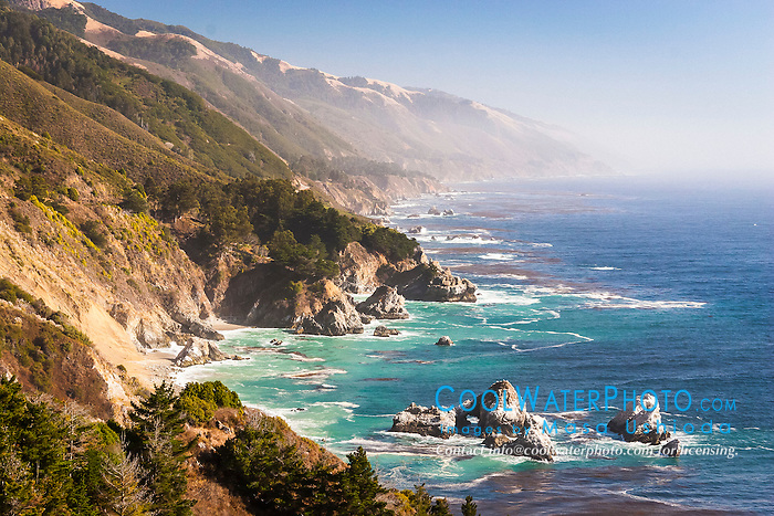 McWay Rocks, Julia Pfeiffer Burns State Park, Big Sur coast, California, USA, Pacific Ocean