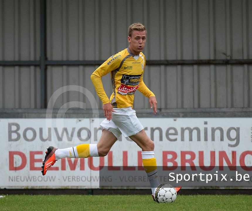 SC Wielsbeke :  Thomas Coopman <br /> Foto VDB / Bart Vandenbroucke