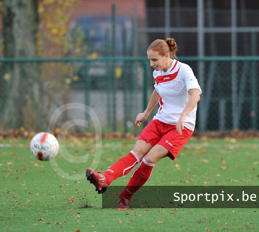 Dames Zulte - Waregem - Femina White Star Woluwe : Benedicte Rifflart.foto DAVID CATRY / Vrouwenteam.be