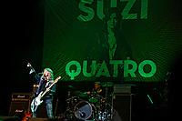 Suzi Quatro live bei einem Kozert ihrer 'It's Only Rock'n'Roll'-Tour im Theater am Aegi. Hannover, 15.05.2019