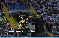 Calcio, finale di Champions League: Real Madrid vs Atletico Madrid. Stadio San Siro, Milano, 28 maggio 2016.<br /> U.S. singer Alicia Keys performs prior to the start of the Champions League final match between Real Madrid and Atletico Madrid, at Milan's San Siro stadium, 28 May 2016.<br /> UPDATE IMAGES PRESS/Isabella Bonotto