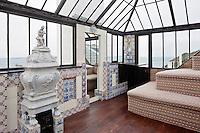 Europe/Royaume-Uni/Îles Anglo-Normandes/Île de Guernesey/Saint-Pierre-Port: Hauteville House, Maison de Victor Hugo, et Musée Victor Hugo<br /> La chambre de verre ou Cristal Room