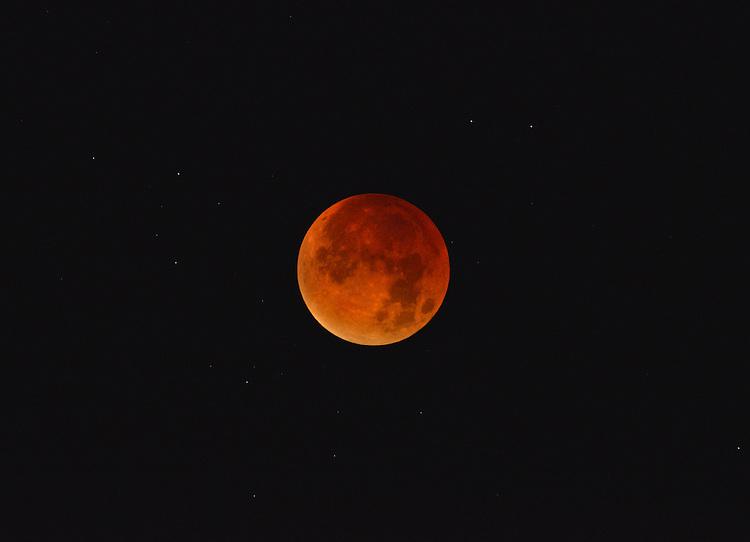 Lunar eclipse/Red Moon