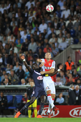 17.08.2014. Bordeaux, France. French League 1 football. Bordeaux versus Monaco.  DIMITAR BERBATOV wins the header over LAMINE SANE