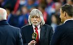 03-05-2017, Voetbal , TV Personality Johan Derksen,  met Side kick Wilfred Genee.<br /> Derksen kondigde aan te stoppen met TV .<br /> © foto Michael Kooren