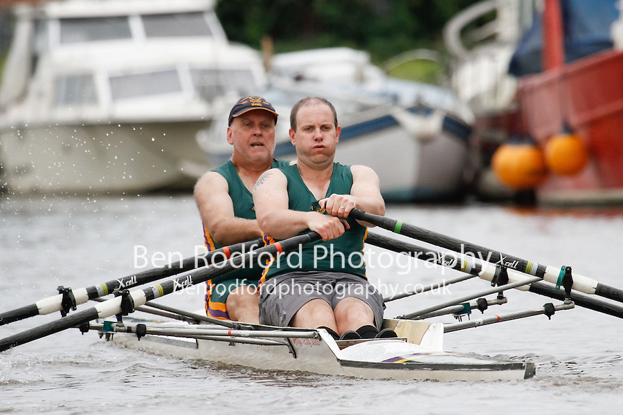 MasB/C.NOV.2x  Final  (132) Liverpool Victoria (MasB) vs (133) Upton RC (MasC)<br /> <br /> Saturday - Gloucester Regatta 2016<br /> <br /> To purchase this photo, or to see pricing information for Prints and Downloads, click the blue 'Add to Cart' button at the top-right of the page.
