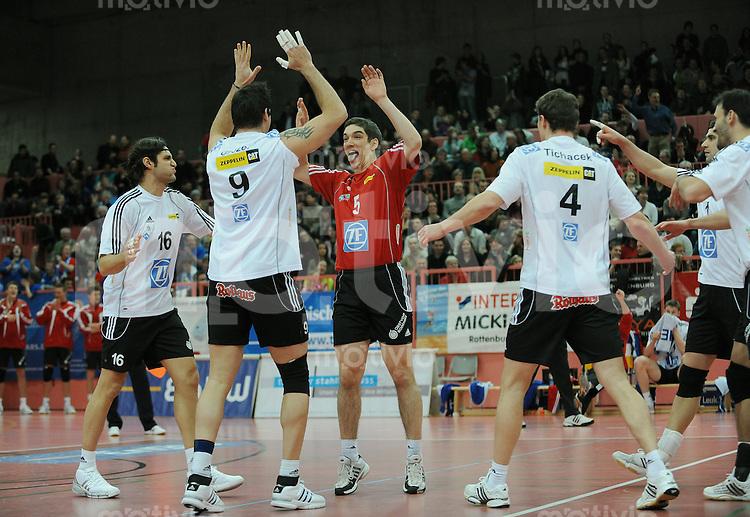 Volleyball  1. Bundesliga   2009/2010  30.01.2010 ENBW TV Rottenburg -  VfB Friedrichshafen Teamjubel  VfB Friedrichshafen;  Inder Lima Martins, Georg Grozer, Nikola Rosic, Lukas Tichacek (v.li.)
