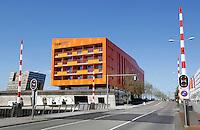 Groningen. Appartementencomplex vooor jongeren : de Hete Kolen