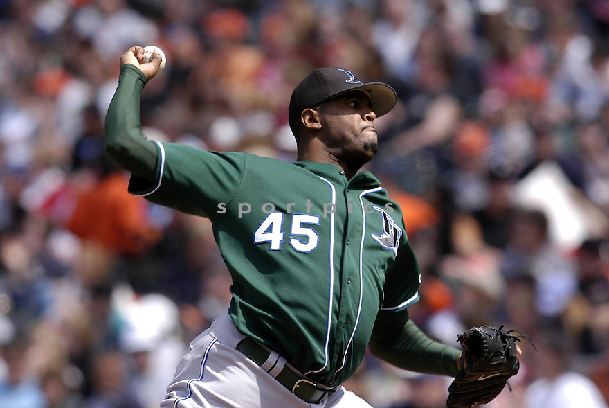 Dewon Brazelton in action during the Tampa Bay Devil Rays v. Baltimore Orioles game on May 1, 2005.....Devil Rays lost 4-7.....Chris Bernacchi/Sportpics..