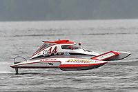 Joe Sovie, Y-44, 1.5 Litre Mod hydroplane.Syracuse Hydrofest, Onondaga Lake, Syracuse, NY.20/21 June, 2009, Dayton, OH USA..©F. Peirce Williams 2009 USA.F.Peirce Williams.photography.ref: RAW (.NEF) File Available