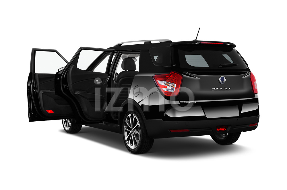 Car images close up view of a 2017 Ssangyong XLV Sapphire 5 Door SUV doors