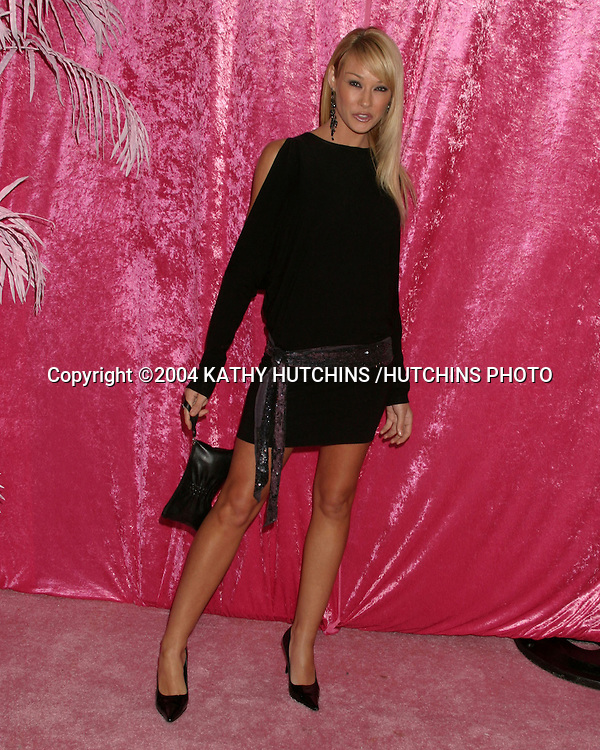 ©2004 KATHY HUTCHINS /HUTCHINS PHOTO.BENCHWARMER PARTY.BLISS.LOS ANGELES, CA.NOVEMBER 20, 2004..LISA GLEAVE