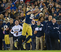 Troy Niklas (85) catches a pass in the second quarter.