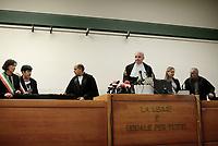 Roma, 14 Novembre 2019<br /> Il giudice Vincenzo Capozza legge la sentenza.<br /> Aula Bunker di Rebibbia<br /> La Corte d'Assise di Roma ha condannato i carabinieri Alessio Di Bernardo e Raffaele D'Alessandro a 12 anni. Assolto dall'accusa di omicidio Francesco Tedesco, l'imputato-accusatore , a suo carico rimane solo la condanna a 2 anni e sei mesi per falso. Stesso reato per Roberto Mandolini, comandante interinale della stazione Appia: 3 anni e otto mesi. Assolti, Vincenzo Nicolardi  Francesco Tedesco e Roberto Mandolini dall'accusa di calunnia.
