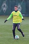 12.01.2018, Trainingsgelaende, Bremen, GER, 1.FBL, Training SV Werder Bremen<br /> <br /> im Bild<br /> Niklas Moisander (Werder Bremen #18), <br /> <br /> Foto &copy; nordphoto / Ewert