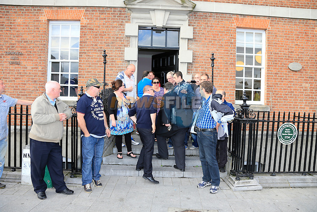 Protestors outside the borough council meeting in Barlow House<br /> Picture:  Fran Caffrey www.newsfile.ie